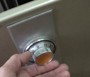 Вскрытие лимбового замка сейфа