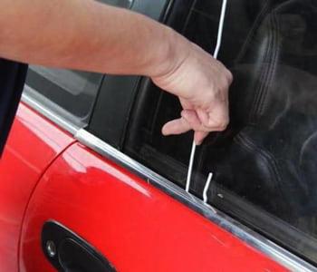 Открытие двери авто проволокой